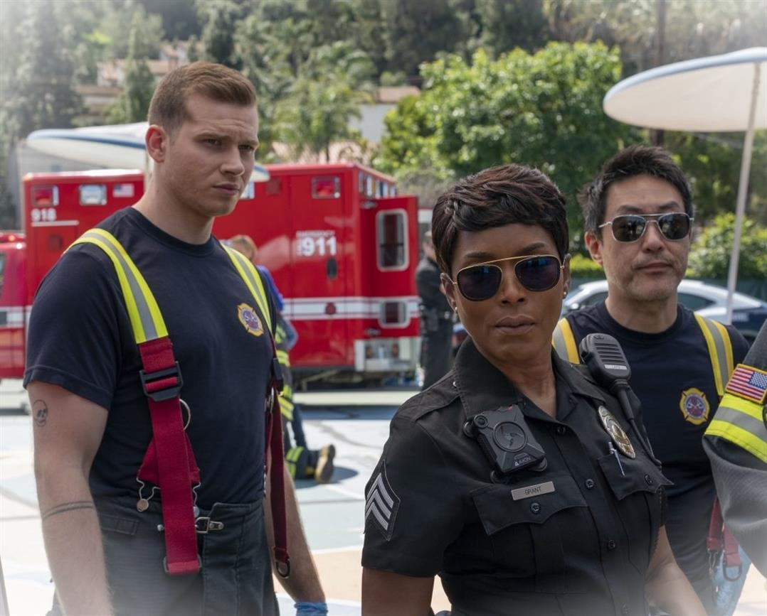 911 Saison 4 Episode 8 Breaking Point Quelques angles damour aaAvAuio 4