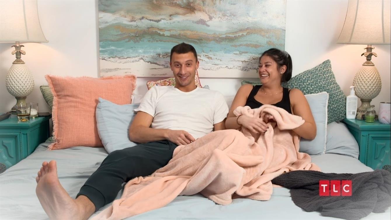90 Day Fiance Alexei revele que Loren enceinte souffre du syndromeF5zlzTMed 5