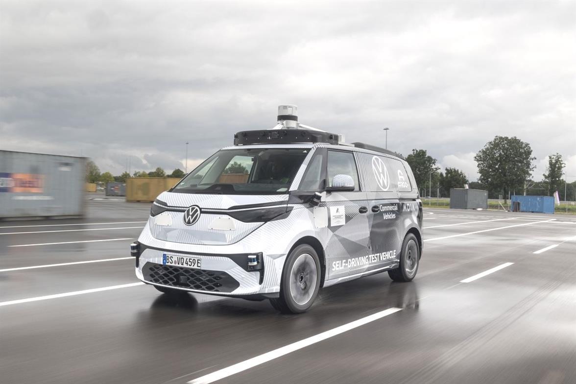 Volkswagen teste un robotaxi electrique a Munich en Allemagne Yvbx7N 2 4
